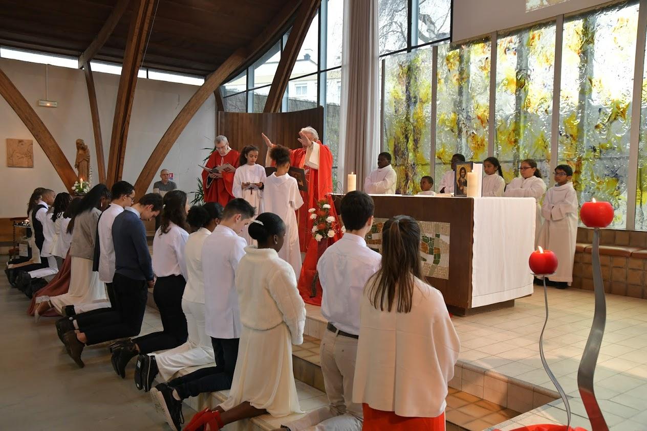 Le Sacrement de Confirmation reçu par 17 jeunes du Secteur